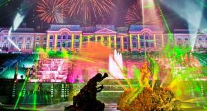 Туры в Санкт-Петербург на шоу закрытия фонтанов